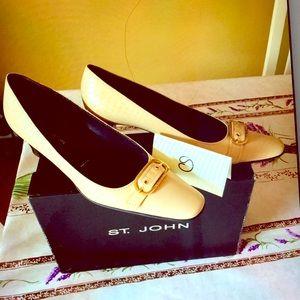ST. JOHN's Women's Shoes